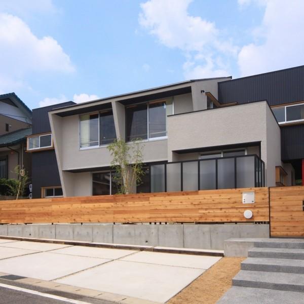 豊田2世帯住宅の家